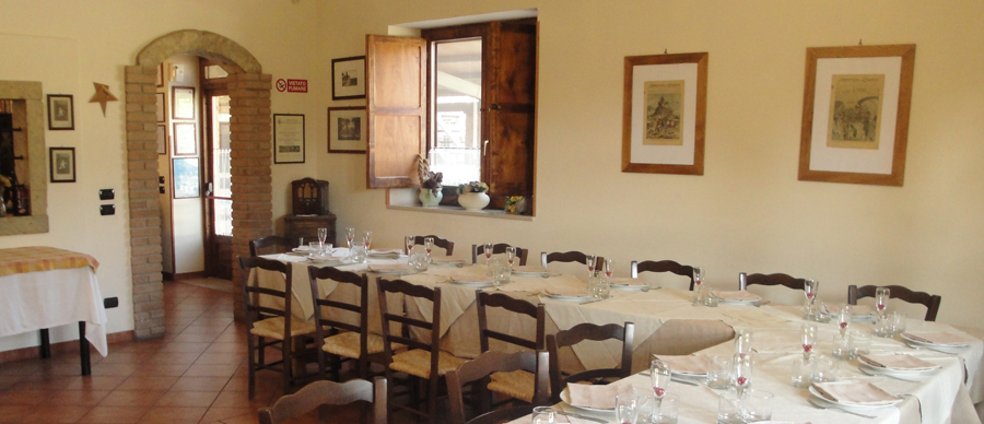 Agriturismo la Candina del Nonno | Panoramica della sala e dei tavoli