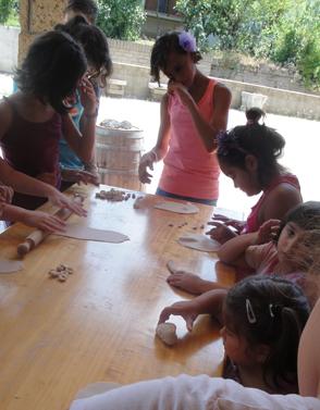 Masserie del Nonno | La Fattoria Didattica - Piccole massaie all'opera!